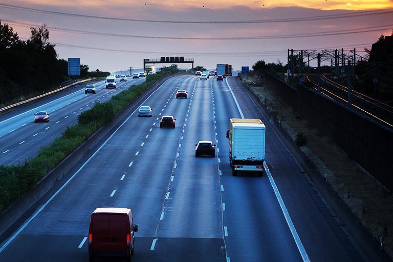 autostrada isamochody